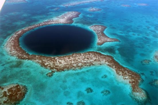 the-great-blue-hole-at
