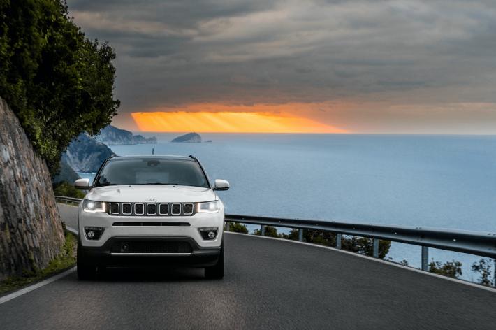 Jeep® Compass: абсолютно новый компактный внедорожник с  непревзойденными техническими характеристиками, отличной динамикой и аутентичным дизайном Jeep