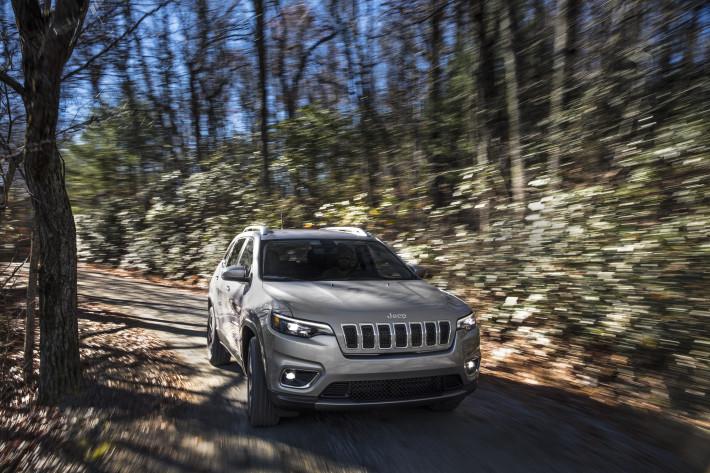Новый Jeep Cherokee 2019 года дебютирует на Детройтском автосалоне в  новейшей реинкарнации