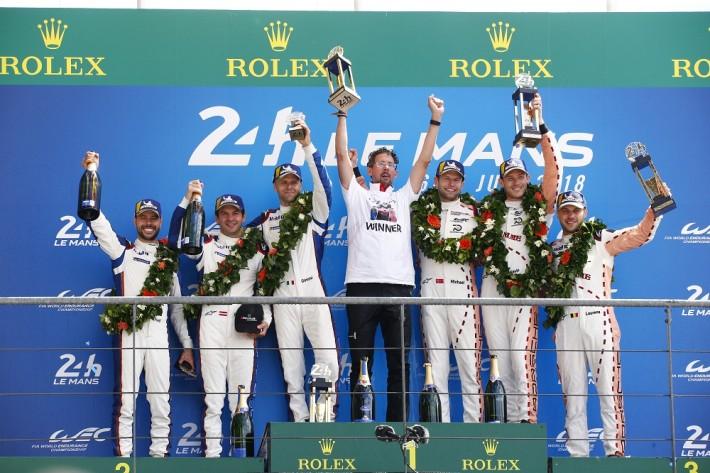Porsche празднует двойную победу в 24-часовом марафоне в Ле-Мане