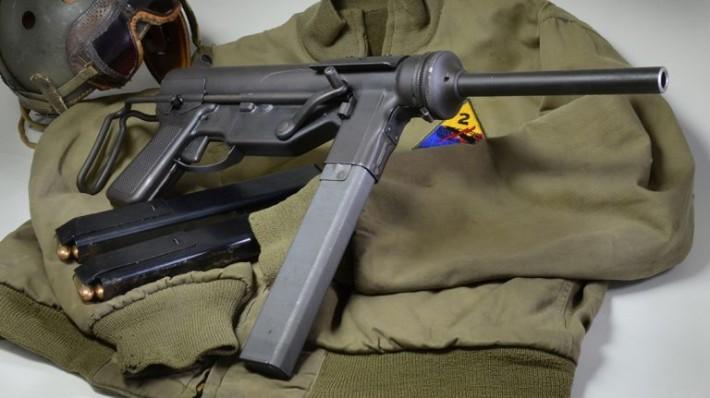 Трещотка демократии — пистолет-пулемёт М3А1.